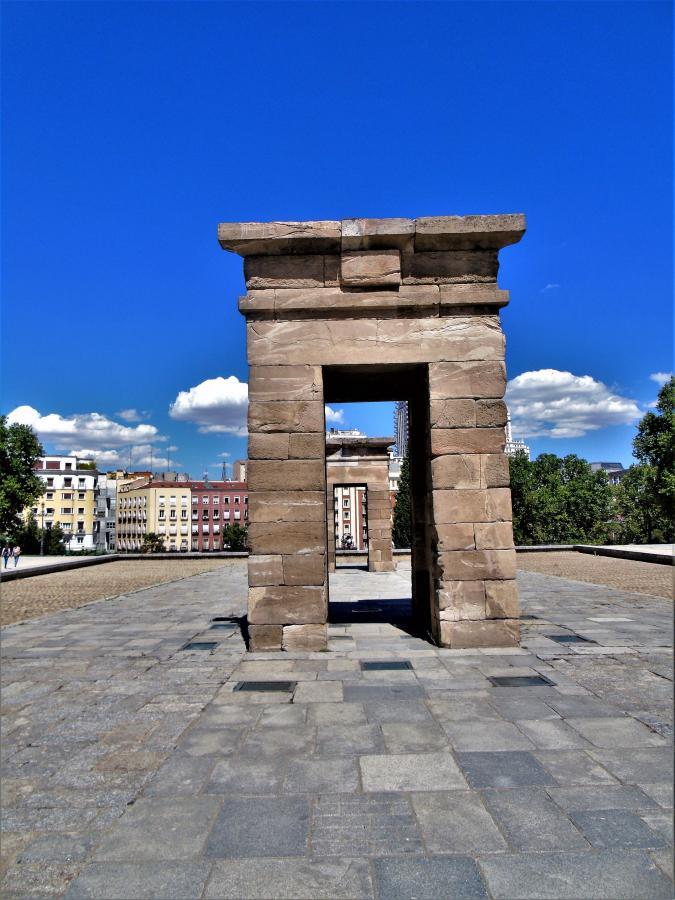Οι πύλες του ναού